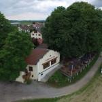 Mühlhamer Keller aus der Luft mit Donau-Radweg