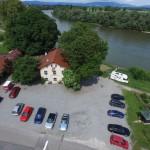 Mühlhamer Keller Parkplatz und Donau