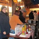 Wirtin Simona Tausova stillte den Hunger der Besucher (Fotos: Moosmüller und Regensperger)